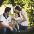 Andrea con mamma e papà, servizio all'aperto